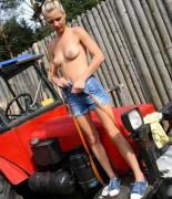 pinkyjune-tractor-09